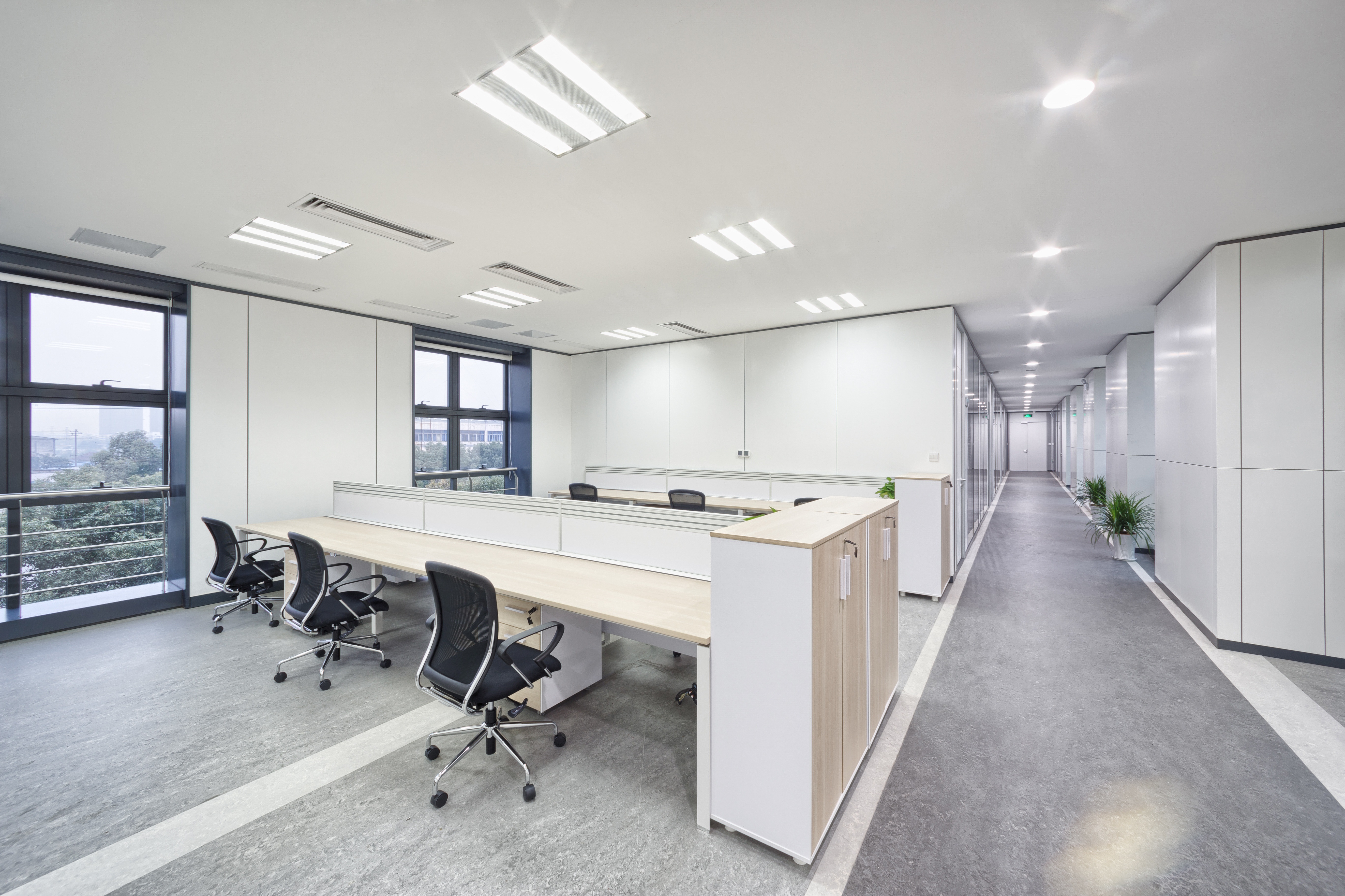 A clean and organised office
